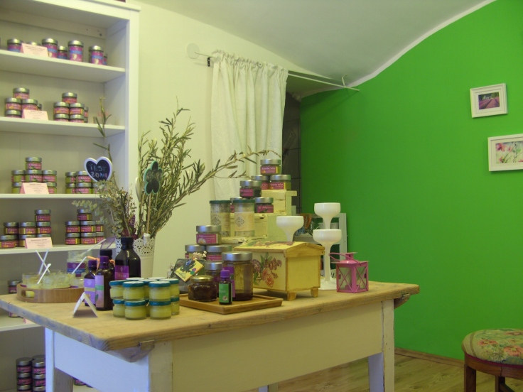 Kasiopea shop in Zagreb; natural creams and elixirs :D